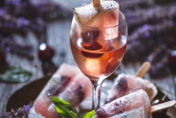 Letni relaks z lodami i winem